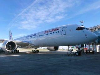 高清图集:东航首架A350客机外观细节