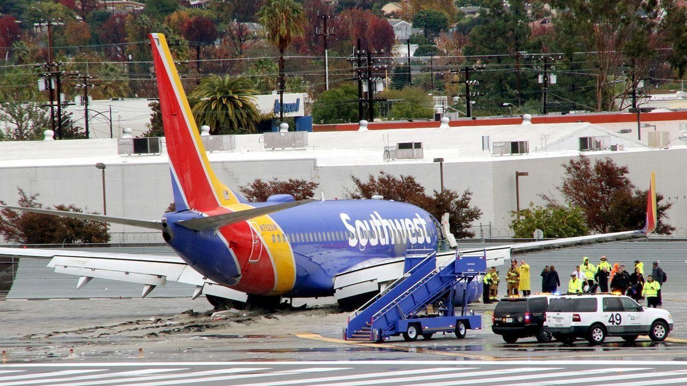 民航早报:美西南客机降落后冲出跑道 无人受伤