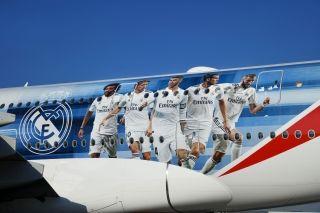 皇家马德里足球俱乐部现身阿联酋航空A380客机