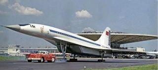 莫斯科機場來了新員工,購買坦克只為拖飛機