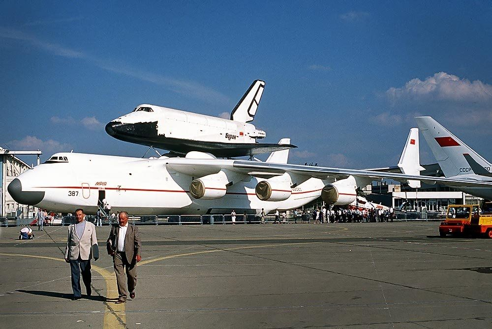 鼓掌!安-225首飛30周年!