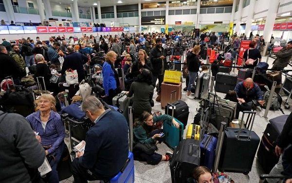 无人机作乱致英国第二大机场关闭 军方已介入