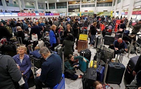 无人机整瘫机场超30小时 首架国际航班降落:东航