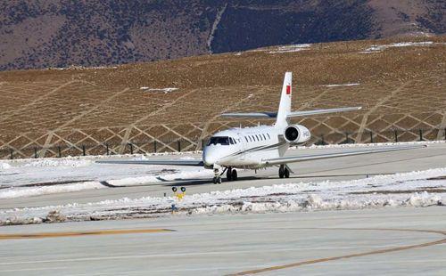 四川甘孜格萨尔机场飞行校验完成
