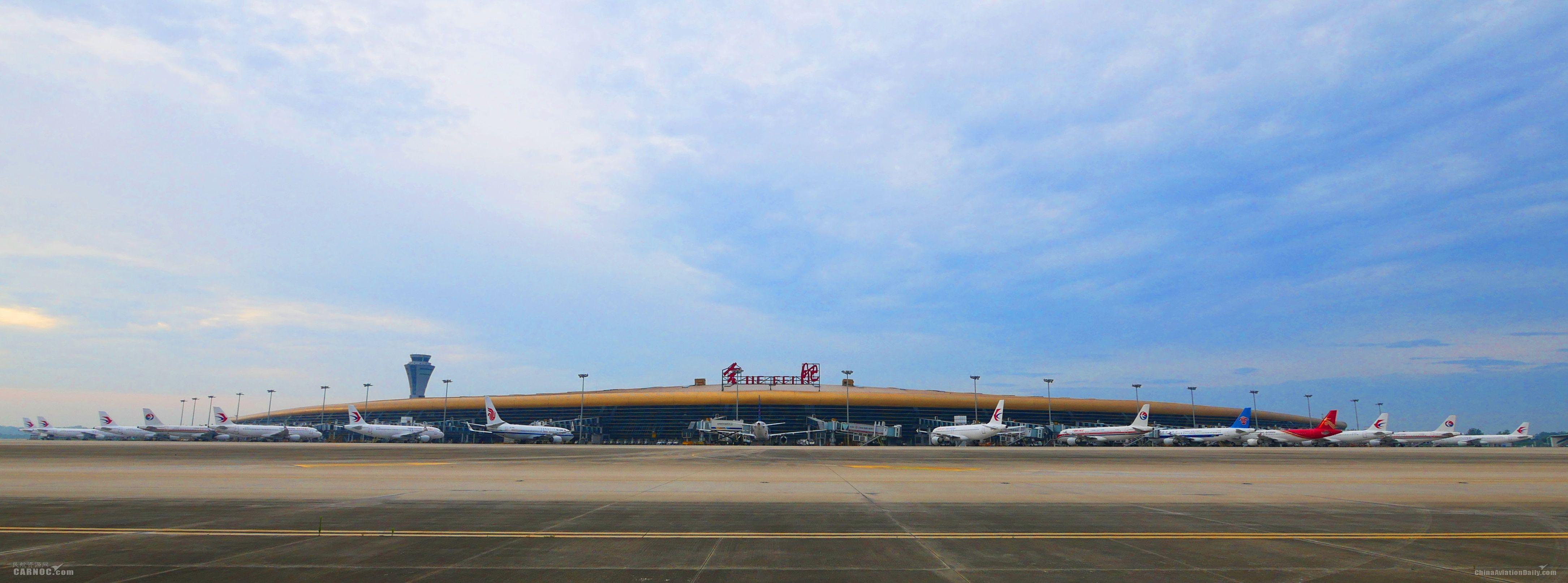 合肥机场迎来五一返程客流小高峰