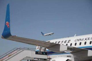 再见,B3197!南航新疆分公司首架E190飞机退租