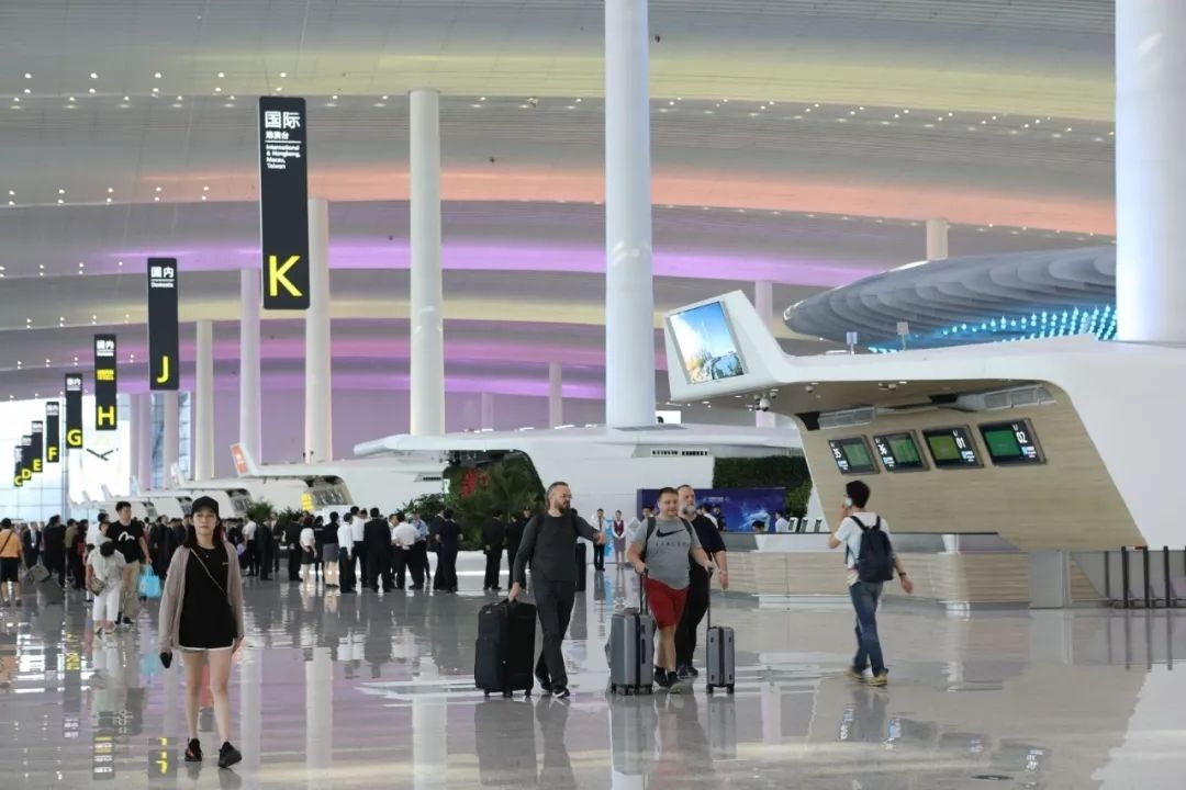 广州将建成12小时全球航空交通圈