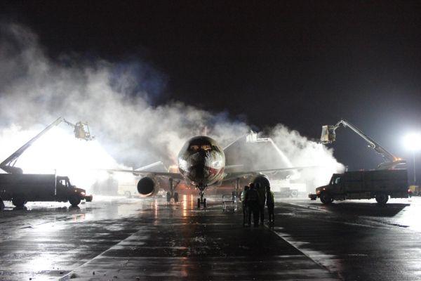 郑州新郑机场统筹谋划除冰雪  确保航班平稳运行