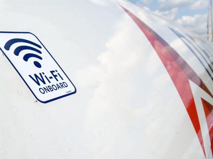 飞机上网年底提速四倍 空中互联万亿市场蓄势待发