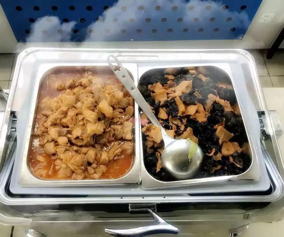 呼和浩特机场为中转旅客提供免费餐食
