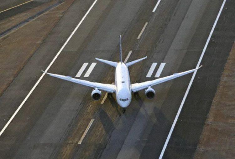 全日空客机落地后发动机熄火 事故原因正在调查