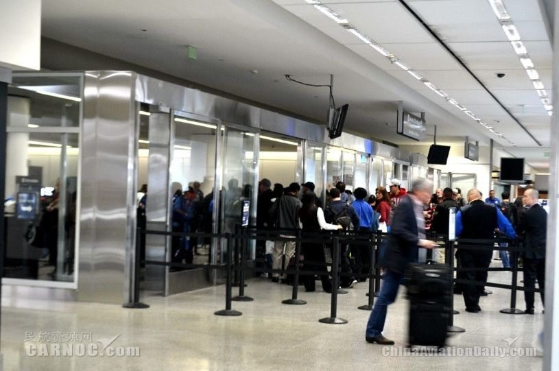 美政府关门继续,TSA安检人员缺勤率达10%!
