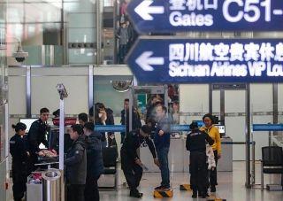春运帷幕拉开 首都机场迎来客运小高峰