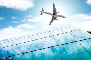 曼谷飞上海来往航班上 90后医生两度救人