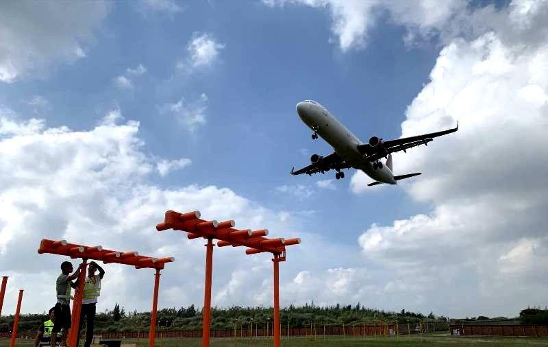 海口美兰机场27号跑道仪表着陆系统完成更新