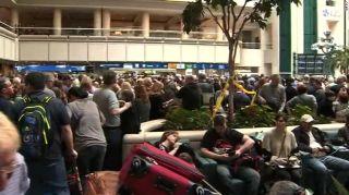 美國一機場TSA員工墜亡 多個航班延誤或取消