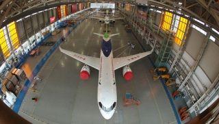 生产线上迎新春 C919三机首次同框相聚上海