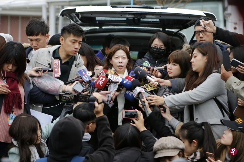 已取消60航班损失343万元 谈判破局华航继续罢工
