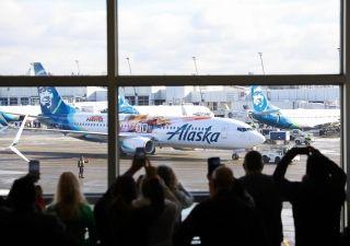 阿拉斯加航空神奇队长波音彩绘机亮相  图片来源:阿拉斯加航空Facebook