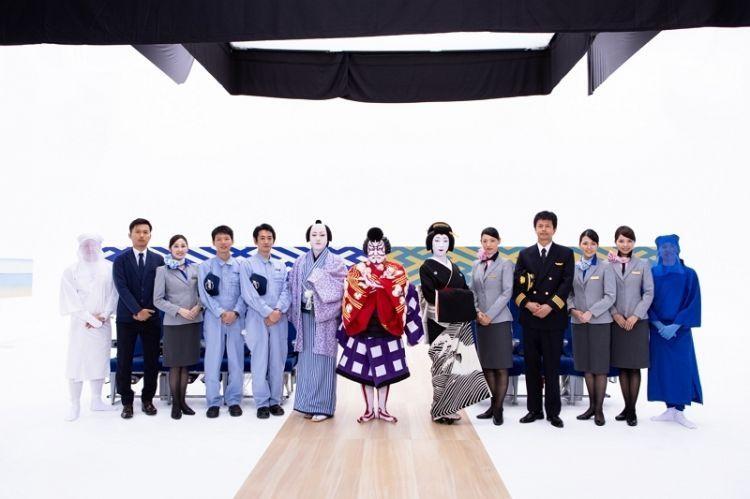 日本国粹歌舞伎演绎全日空飞行安全演示