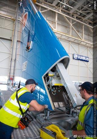 南航首架A350飞机亮相总装线 图片来源:南航