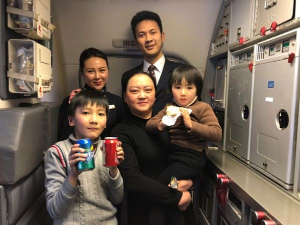 旅客对乘务组表示感谢