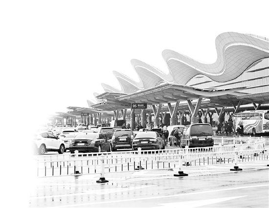 最近去蕭山機場趕飛機   一定要早點出發