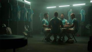 国泰航空趣味广告 橄榄球运动员在更衣室会做些什么呢