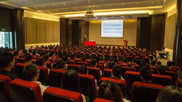 原民航局长杨元元莅临东海航空进行授书及培训