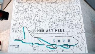 """美联航为女性艺术家提供超大""""旅行画布"""":一架757飞机"""