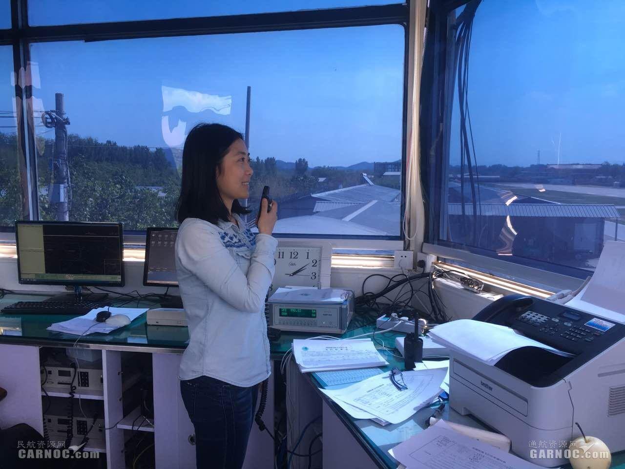国网通航管制员余丹:话筒架桥梁,指令护安航