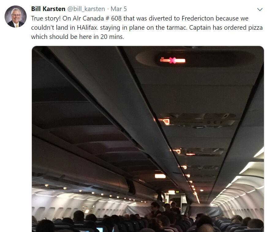 飞机被困数小时
