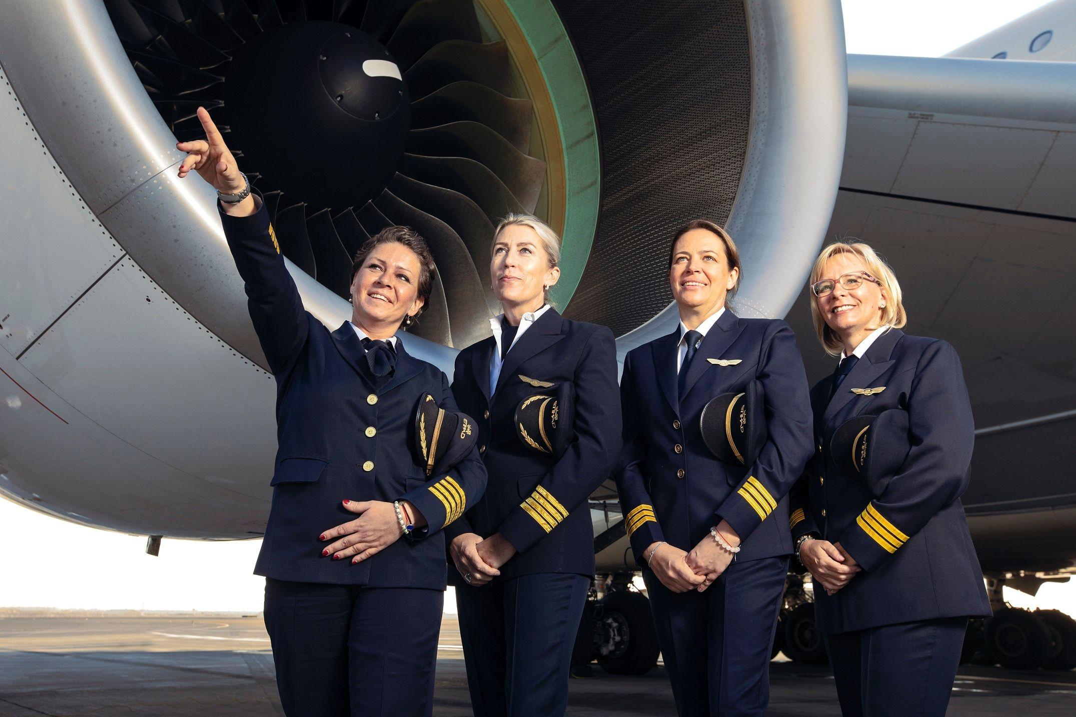阿提哈德全女性机组致敬国际妇女节