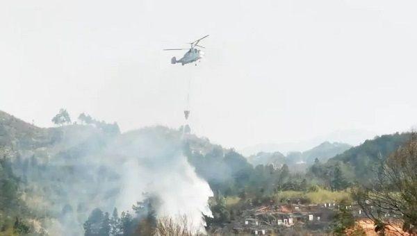 湖南:及时出动直升机成功处置一起火情