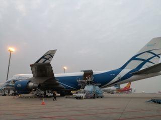 深圳機場開通今年首條國際貨運航線