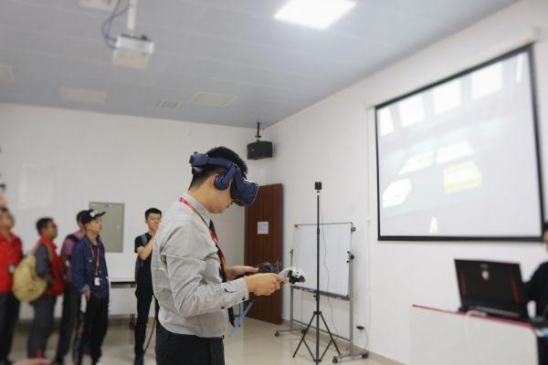 沉浸式培训 海航技术首推航空维修VR智能培训平台