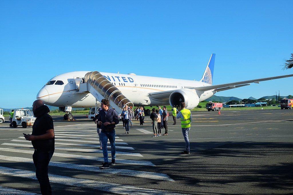 美聯航新飛機駕駛艙出現煙霧 緊急備降太平洋島嶼