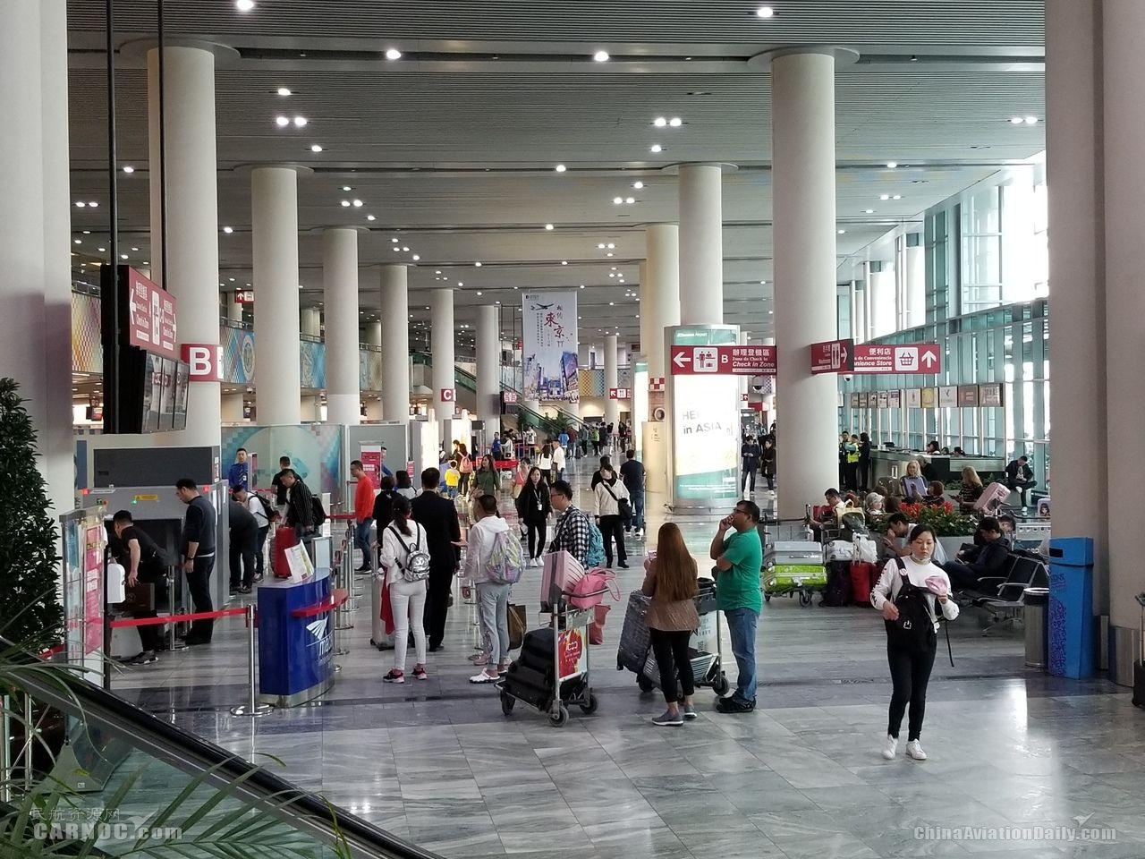 受雷雨天气影响,澳门机场11个航班延误