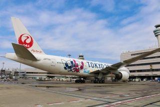 日本航空首架东京2020奥运会彩绘机亮相