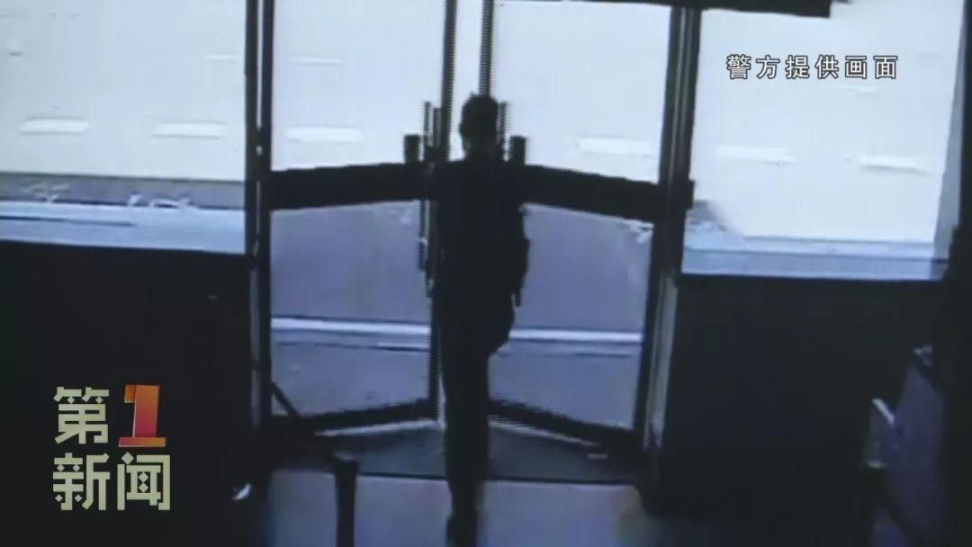 男子走错登机口误机 强开电磁门硬闯停机坪被拘