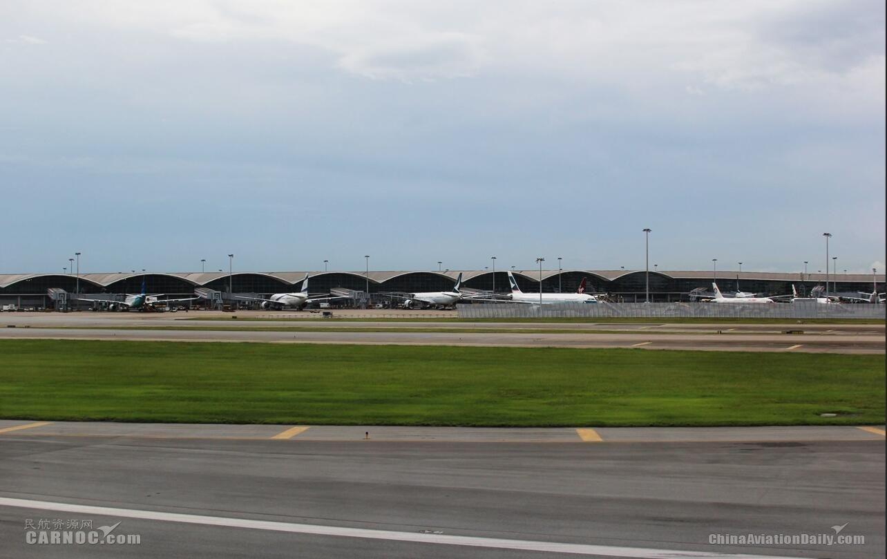 3月香港机场3项航空交通量增长 客运量达640万人次