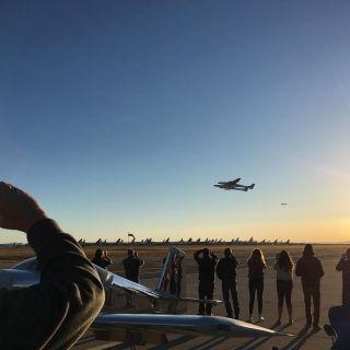 世界上最大飞机首飞成功 图片来源:推特@EAA
