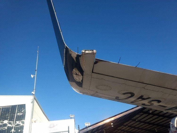 墨西哥国际航空一飞机发生机翼刮擦