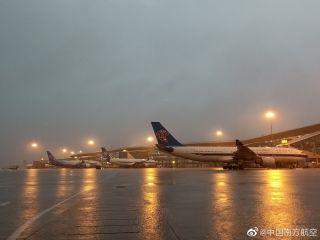 19日受雷雨天气影响 珠三角机场出现大面积延误