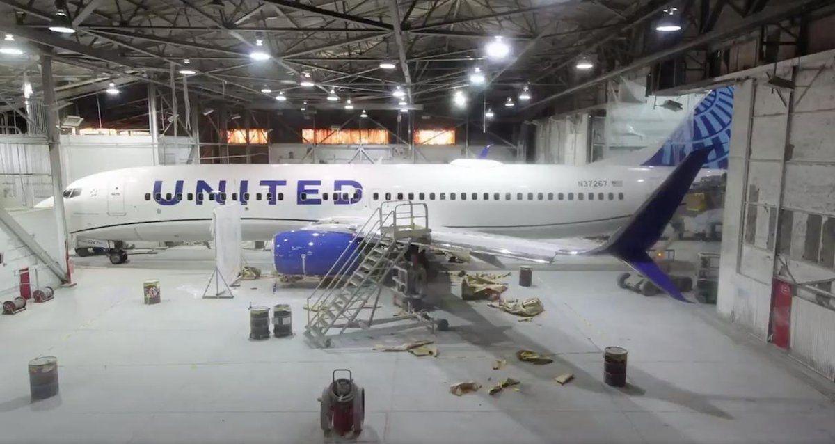 抢鲜看!美联航飞机新涂装