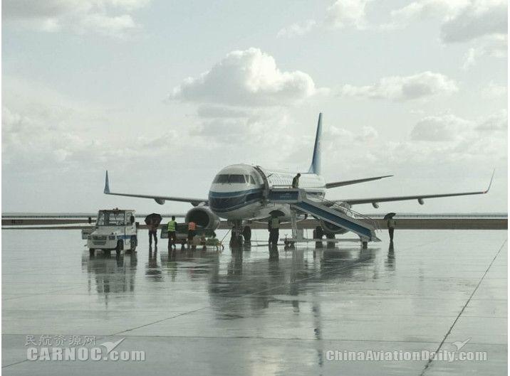 暴雨突袭,富蕴机场全力保障出港航班