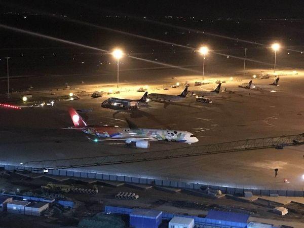 川航空客A350-900首次亮相濟南機場