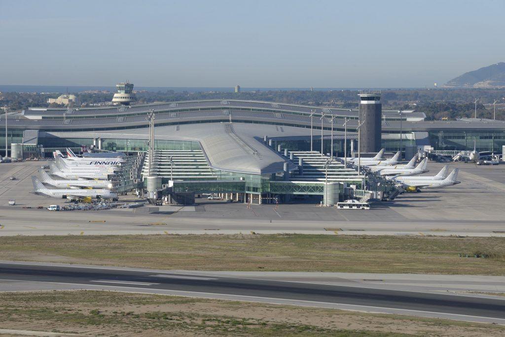 巴塞罗那机场大罢工将造成多家航司周末航班取消