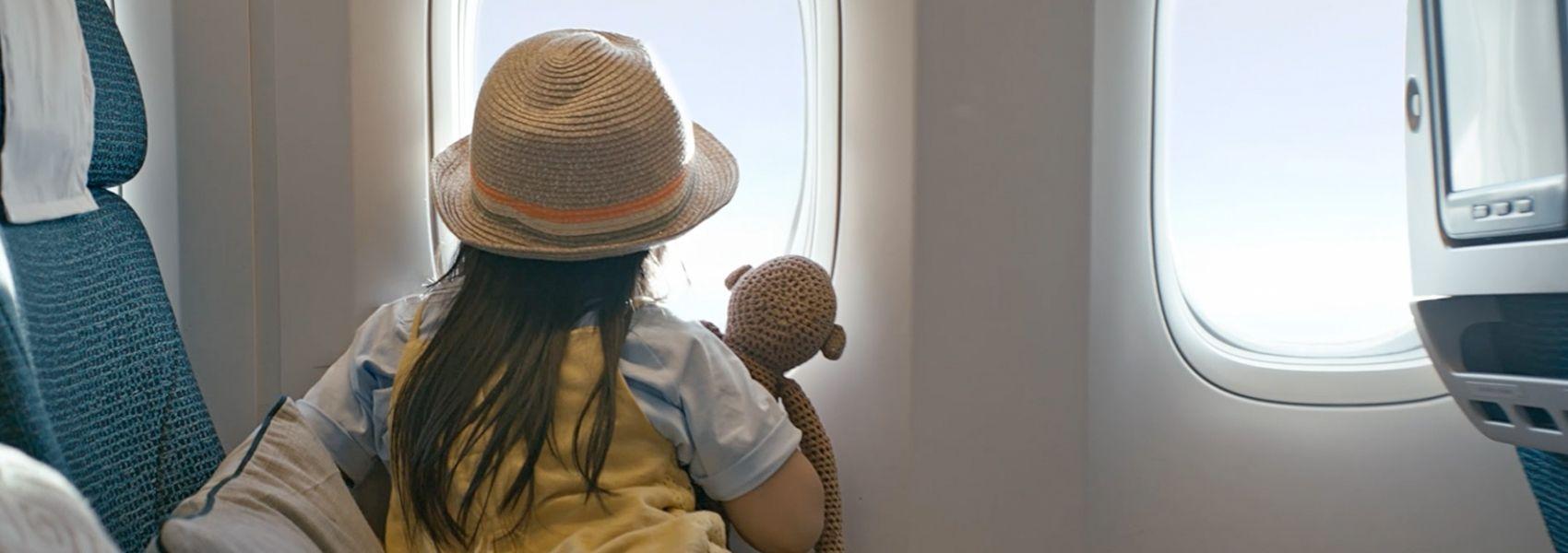 国泰航空全新品牌宣传片:《Move Beyond》
