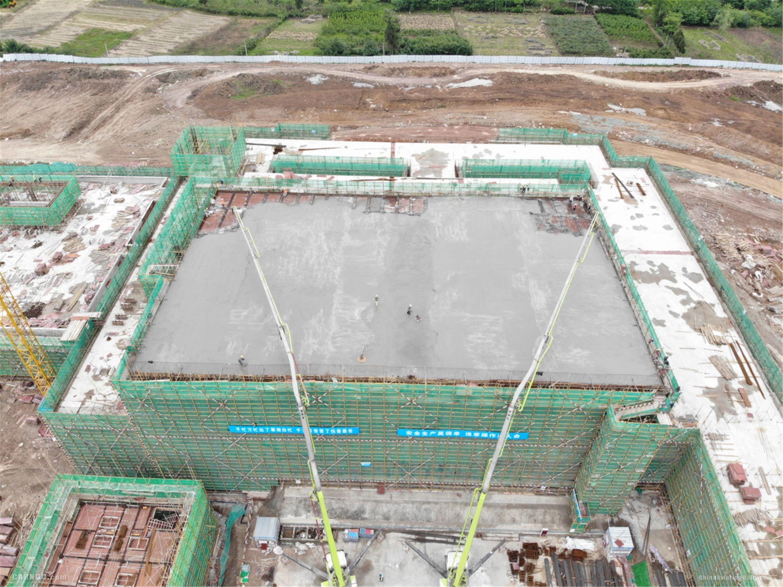 成都天府机场终端管制中心主体工程结构封顶